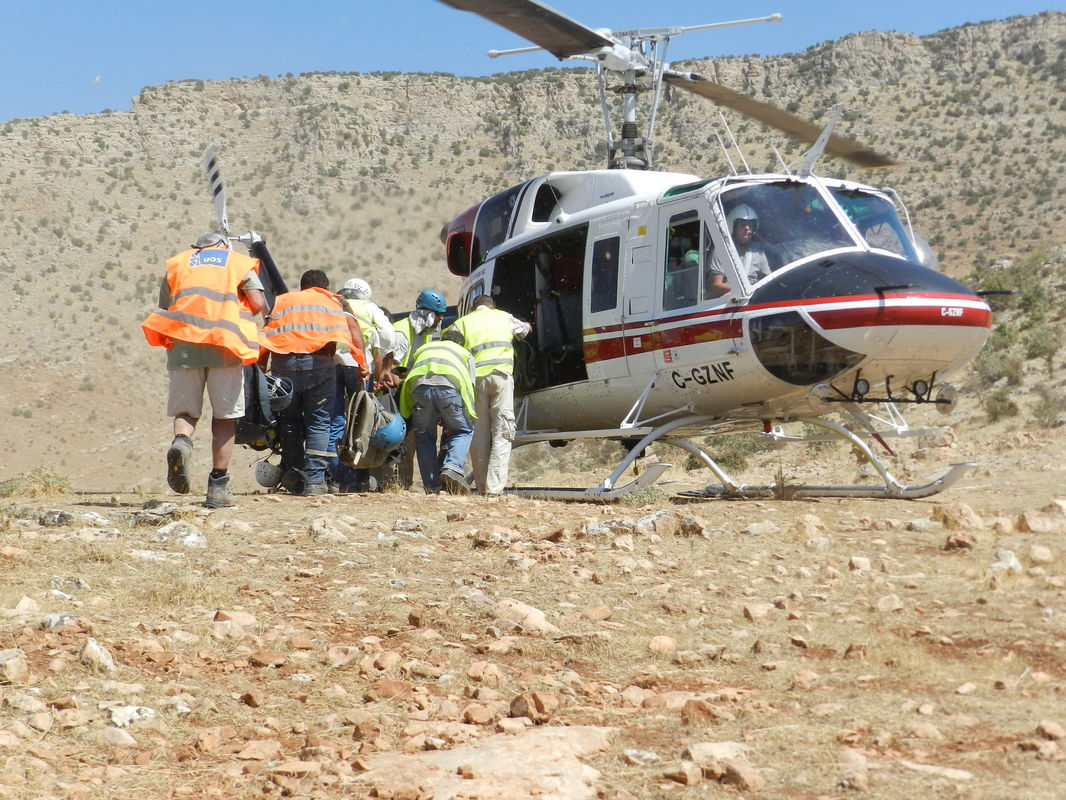 Mountaineer acting as helipad controller, 2D Seismic Operation, Southern Turkey